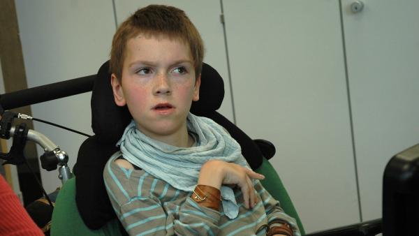 Lennart kann nicht sprechen und nicht laufen. | Rechte: MDR/CONDOR Filmproduktion Berlin