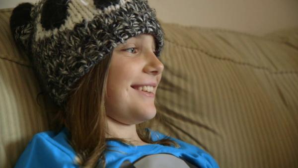 Amanda mit ihrer Pandamütze | Rechte: SWR/kurhaus production