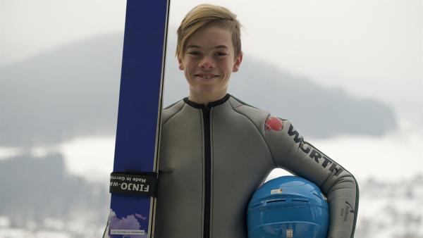 Luis ist begeisterter Skispringer. | Rechte: SWR/Carolina Wolf/GIGAHERZ
