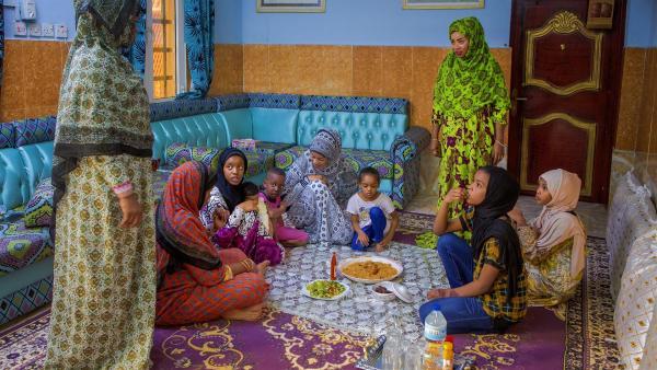 Abendessen bei Al-Anoods Familie | Rechte: KiKA/Bea Müller