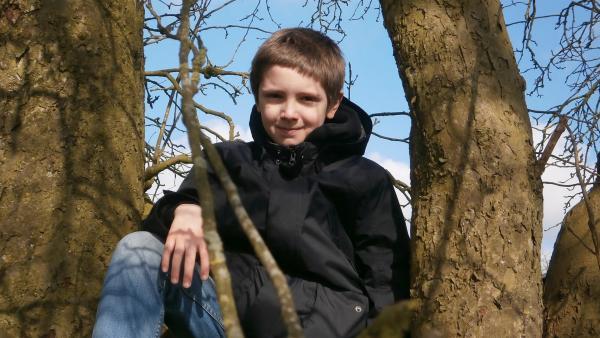Der 10-jährige Rafael hat zwei Mamas - und einen Papa. Rafael lebt mit seinen Müttern in Hamburg ein typisches Stadtleben wie viele Kinder: er besucht eine Ganztagsschule, trifft seine besten Freunde Morris und Janosch, macht seine Hausaufgaben, spielt am Computer, besucht regelmäßig die Oma und vieles mehr. | Rechte: KiKA