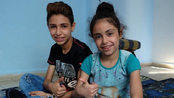 Mohammad und seine kleine Schwester Assil | Rechte: KiKA/Andrea Oster