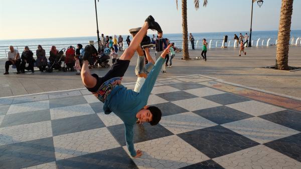 Breakdance ist Mohammads Lieblingshobby. | Rechte: KiKA/Andrea Oster
