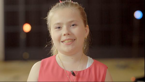 Sophia ist 11 Jahre alt und eine begabte Klavierspielerin. | Rechte: Radio Bremen/Klaus Kurth