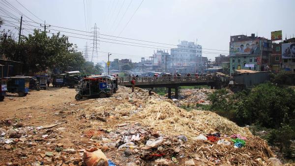 Das Gerberviertel Hazaribagh liegt in Dhaka, der Hauptstadt von Bangladesch. Es ist einer der am meisten verschmutzten Orte der Wel und Ridoys Umfeld, in dem er täglich arbeiten muss. | Rechte: SWR