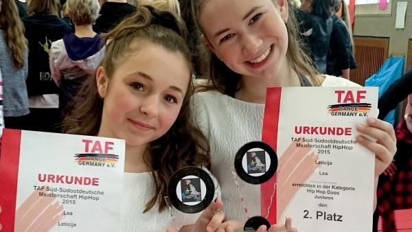Lea (li.) und ihre Freundin Leticija (re.) | Rechte: rbb/frank und frei fernsehproduktion