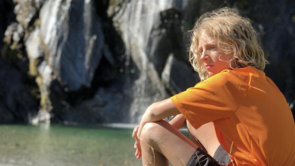Nat beim Klettern am Wasserfall | Rechte: hr/Timeline Film+TV