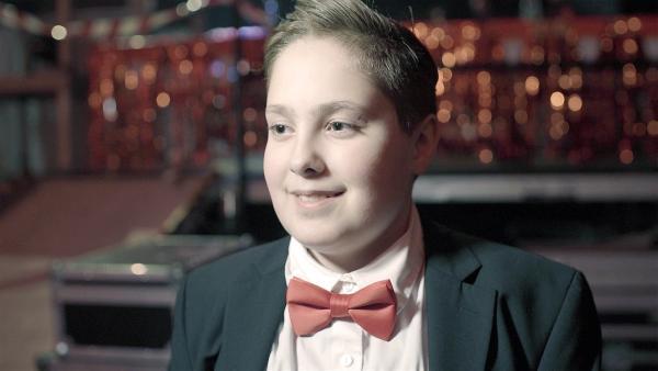 Mischa ist der Sänger des Oldenburger Teams beim Jewrovision-Song Contest, dem Gesangswettbewerb der jüdischen Gemeinden in Deutschland. | Rechte: Radio Bremen / Klaus Kurth