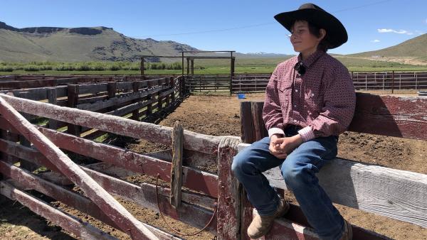 Marcus macht eine kurze Pause von der Arbeit auf der Ranch.  | Rechte: hr