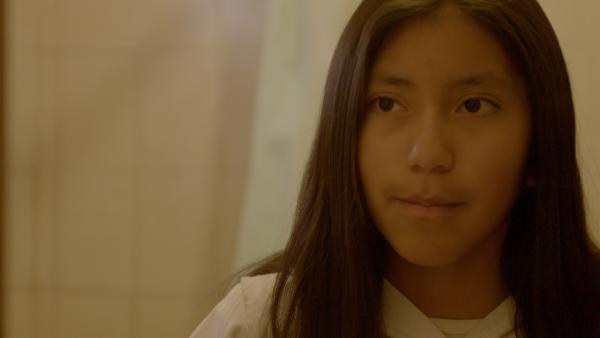 Abril (11) lebt in Maimará, einer kleinen Gemeinde im Norden Argentiniens, die am Fuße der Anden liegt, der längsten Gebirgskette der Erde. | Rechte: SWR/Hanfgarn & Ufer Filmproduktion
