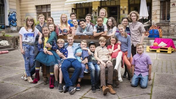 Der Cast der 21. Staffel von Schloß Einstein. | Rechte: MDR/Saxonia Media/Felix Abraham