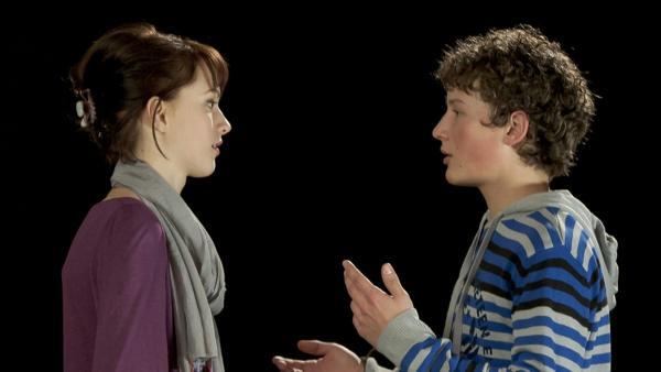 Coco (Luisa Liebtrau) spielt die Hermia, Sàndor den Lysander (Lennart König).   Rechte: MDR/Anke Neugebauer