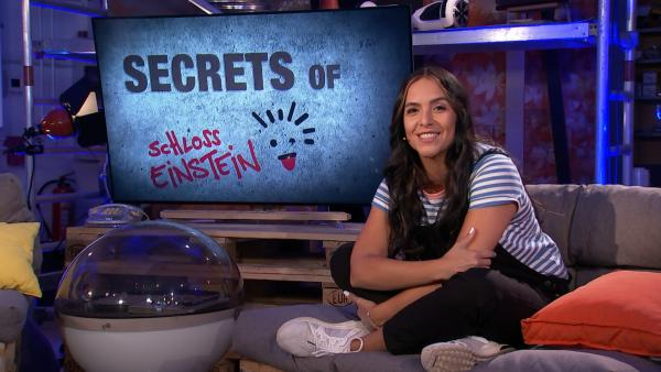 Moderatorin Jess ist fest entschlossen, spannende Secrets aus den Einstein-Stars herauszuquetschen. | Rechte: mdr/MCS
