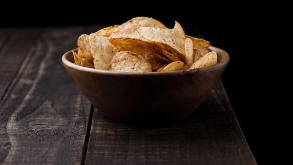 Nuss-Cracker-Käse in einer Schüssel | Rechte: colourbox.com