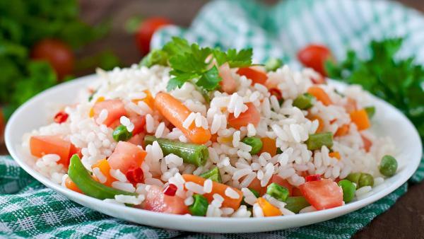 Asiatische Reispfanne | Rechte: colourbox.com