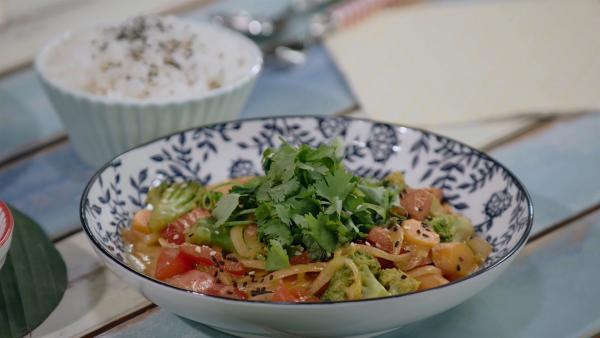 Oder ein Kokos-Curry | Rechte: ZDF/ORF