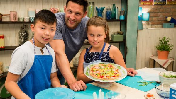 Schmecken die Koch-Kids die einzelnen Zutaten aus den Gerichten der anderen Teams heraus? Das ist diesmal eine ganz besonders schwierige Aufgabe. | Rechte: ZDF//Rothkopf Rene