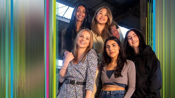Alina, Feli, Hilla, Janina und My treffen aufeinander | Rechte: ZDF