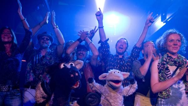 Auch Wolle und Pferd sind begeistert von dem Konzert. | Rechte: NDR/Sesame Workshop