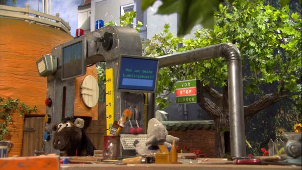 Wolle hat Pferd eine Namensfindermaschine gebaut. | Rechte: NDR/Sesame Workshop