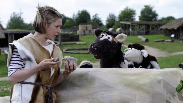 Wolle und Pferd wollen herausfinden, wie die Menschen früher ohne Strom gelebt haben. | Rechte: NDR/Uwe Ernst