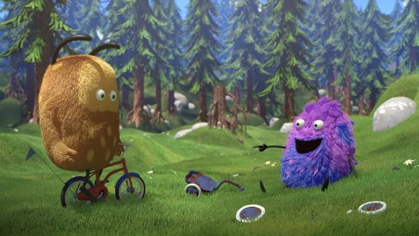 Fahren Fahrrad: Kiwi (l.) und Strit (r.) | Rechte: NDR/ Copenhagen Bombay Rights