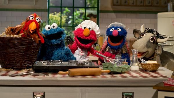 Elmo und seine Freunde haben ein Restaurant eröffnet.   Rechte: NDR