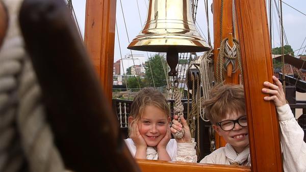 Schiffsjunge Moritz und Schiffsmädchen Emma | Rechte: NDR