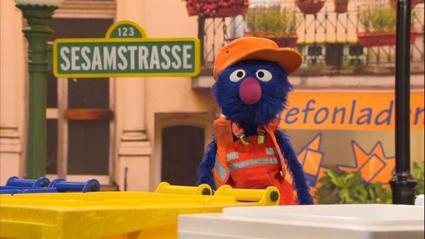 Kennt sich aus: Grobi als Müllmann   Rechte: NDR