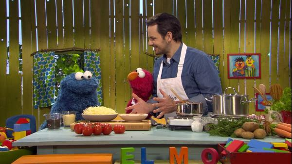 Steffen und Elmo haben für Krümel (v.l.n.r.) gekocht. | Rechte: NDR