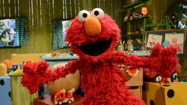 Elmo hat eine super Idee für ein Picknick drinnen. | Rechte: NDR