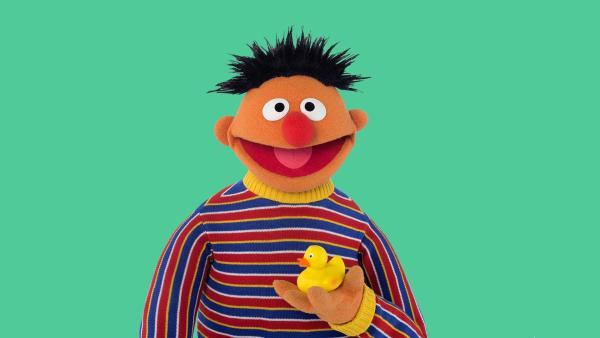 Ernie singt über die Wunder der Natur. | Rechte: NDR