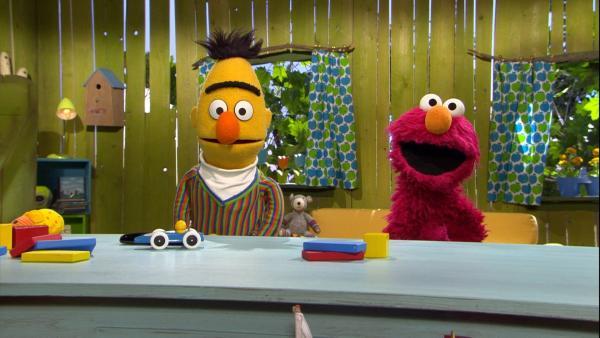 Bert und Elmo in Elmos Spielehaus | Rechte: NDR Foto: NDR Screenshot
