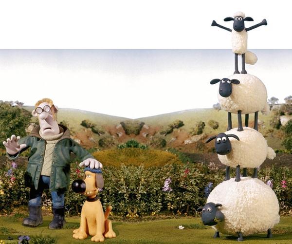 Shaun (vorn, re.) und seine Freunde leben auf der Weide eines idyllisch gelegenen Bauernhofes.   Rechte: WDR/Aardman Animations Ltd.