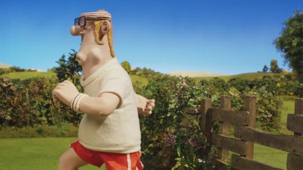 Bitzer geht gemeinsam mit dem Farmer joggen. Ob er das durchhalten wird?    Rechte: © KiKA