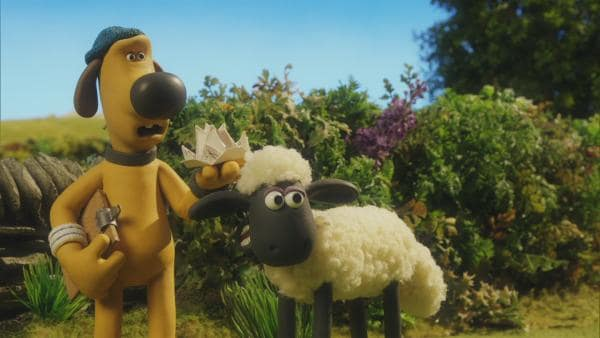 Shaun und Bitzer wundern sich über den Farmer. Nach seinem Urlaub ist er wie ausgewechselt.  | Rechte: © KiKA