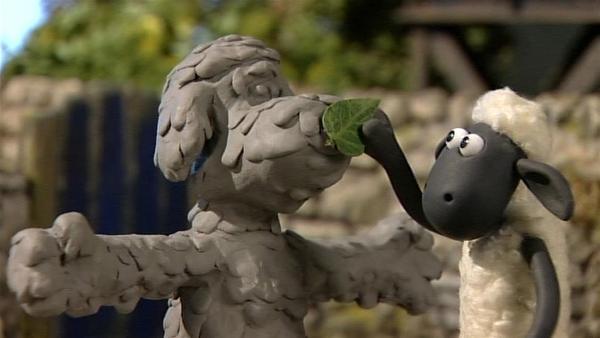 Diese Figur sieht doch aus wie Bitzer. Noch eine kleine Dekoration auf die Nase  - und fertig!   Rechte: WDR/Aardman Animation Ltd./BBC