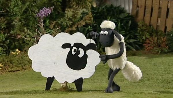 Falsche Schafe sollen den Farmer täuschen, bis die Herde vom Ausflug zurück ist. Hoffentlich geht das gut.   Rechte: WDR/Aardman Animation Ltd./BBC