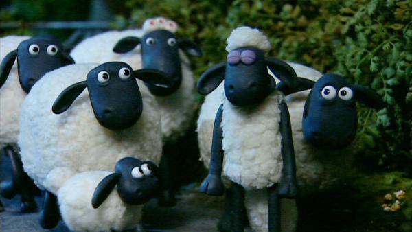 Wie bekommen die Schafe den Schlafwandler wieder sicher in sein Bett zurück?   Rechte: WDR/Aardman Animation Ltd./BBC