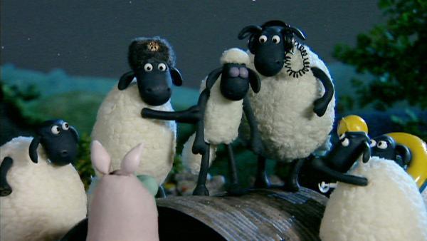 Sicheres Geleit auf Schlafwandlers Wegen; auch dafür sind Freunde da. | Rechte: WDR/Aardman Animation Ltd./BBC