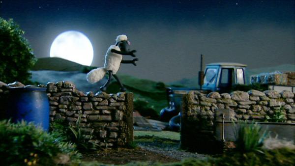 Schlafwandler Shaun nimmt nicht immer den einfachen Weg - Ob das wohll gutgeht? | Rechte: WDR/Aardman Animation Ltd./BBC