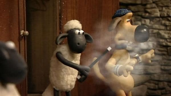 Zaubervorführung im Stall. Bitzer verschwindet vor den Augen der Schafe. | Rechte: WDR/Aardman Animation Ltd./BBC