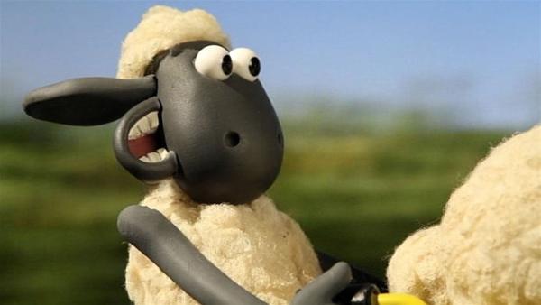 Shaun im Geschwindigkeitsrausch, die Maschine ist nicht zu stoppen. | Rechte: WDR/Aardman Animation Ltd./BBC