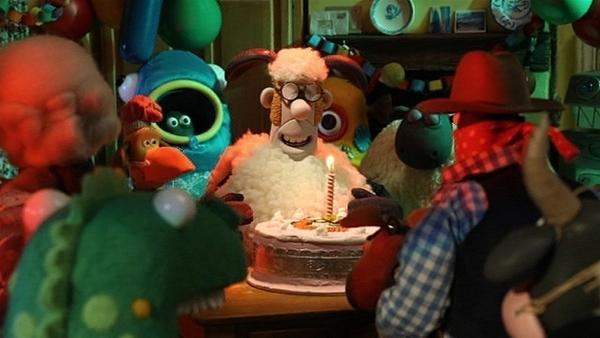 Kostümparty im Farmhaus. Die Überraschung ist geglückt, die Stimmung ist toll. | Rechte: WDR/Aardman Animation Ltd./BBC