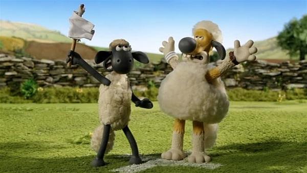 """Shaun und Bitzer versuchen Pidsley zu überlisten und hissen die """"weiße Fahne"""".   Rechte: WDR/Aardman Animation Ltd./BBC"""