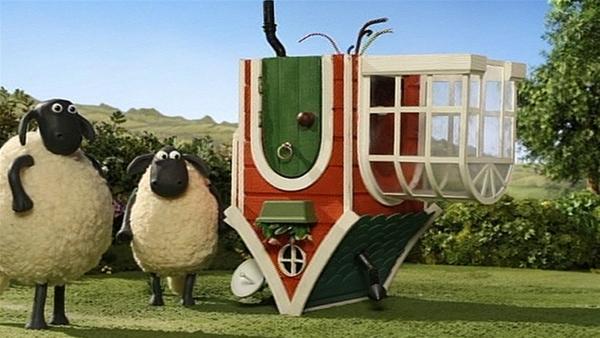 Die neue Hütte für Bitzer ist da. Aber irgend etwas stimmt hier nicht. | Rechte: WDR/Aardman Animation Ltd./BBC