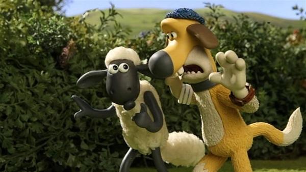 Der Hahn ist verschwunden. Shaun und Bitzer wollen den Entführer stellen. | Rechte: WDR/Aardman Animation Ltd./BBC