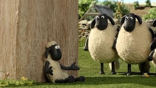 Shaun als Personaltrainer für Bitzer. Da kann nichts mehr schief gehen. | Rechte: WDR/Aardman Animation Ltd./BBC