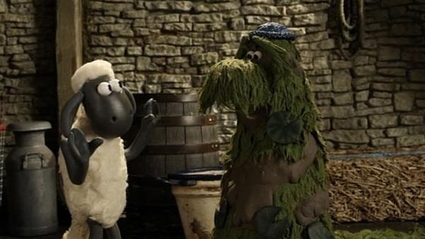 Shaun versucht herauszufinden, woher das seltsame Monster kommt. | Rechte: WDR/Aardman Animation Ltd./BBC