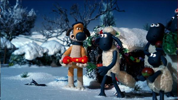 Bitzer und Shaun beschließen, dem Bauern ein besonderes Weihnachtsgeschenk zu machen. | Rechte: WDR/Aardman Animations Ltd.